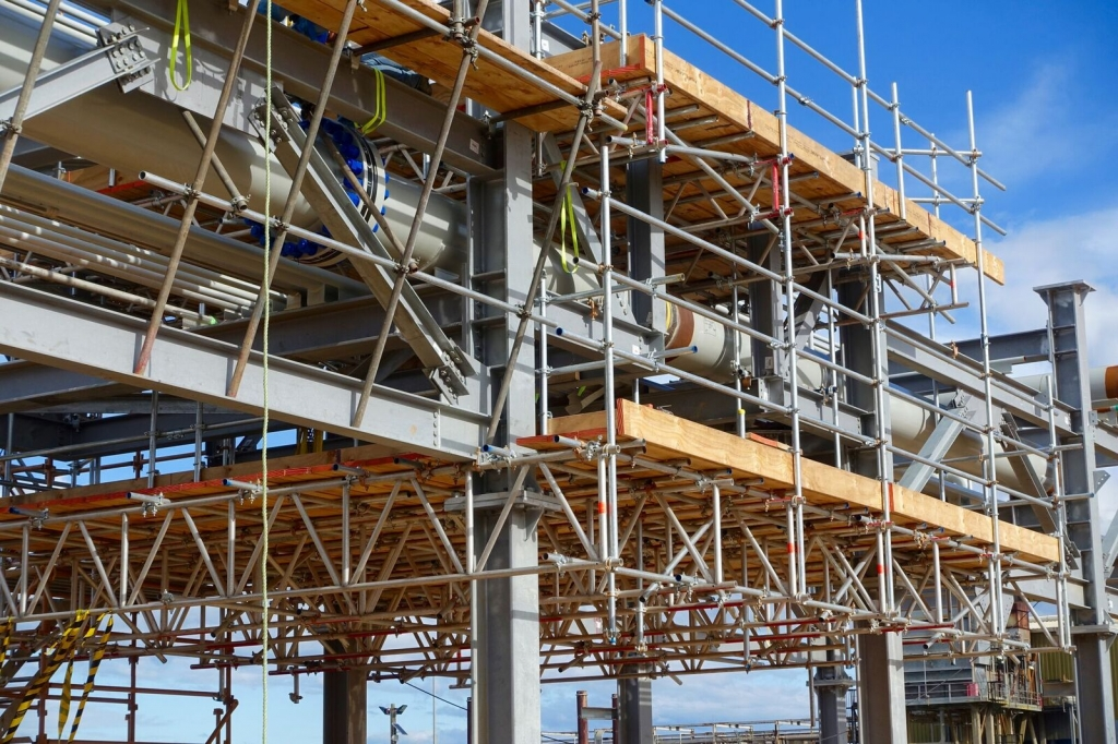 scaffold and rigging for workers at longford