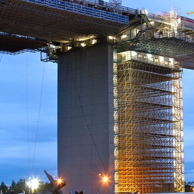 scaffold up tower of westgate bridge